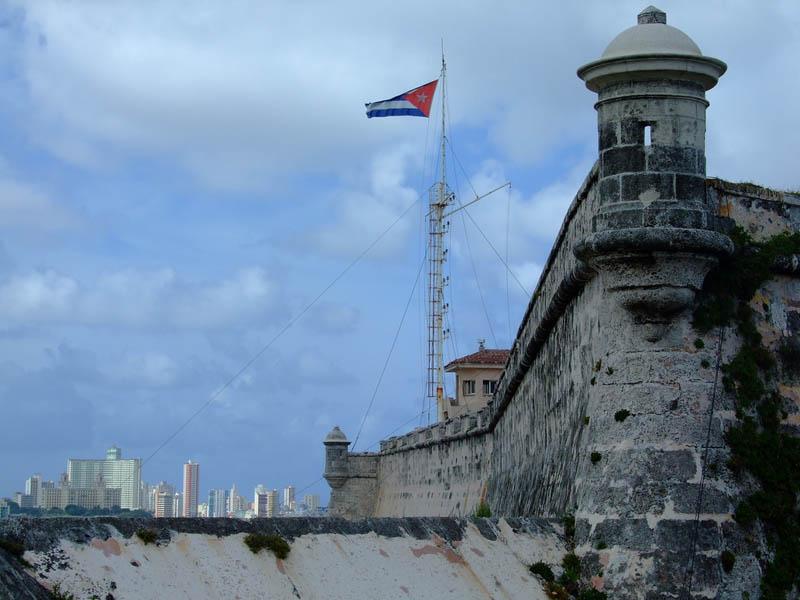 Resultado de imagen de castillo de la punta habana cuba
